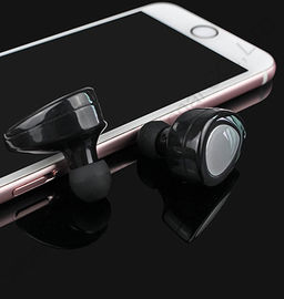 Durable Mobile Phone Accessories IPhone 7 Bluetooth Wireless Headphone With Call Function And Charger Case
